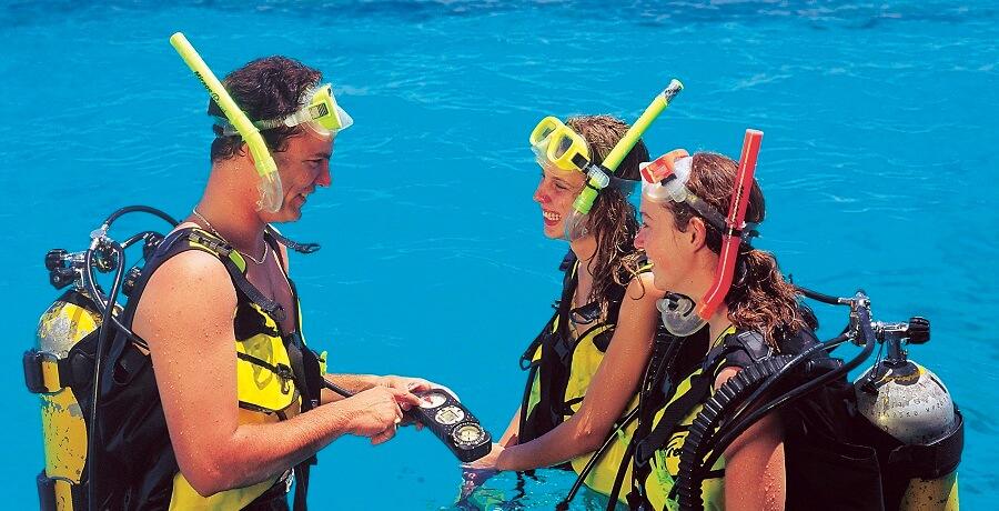 Great Barrier Reef Liveaboard Tour Diving