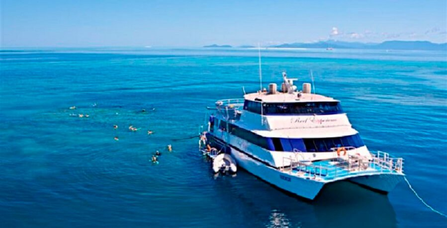 Great Barrier Reef Snorkelling Tour Boat