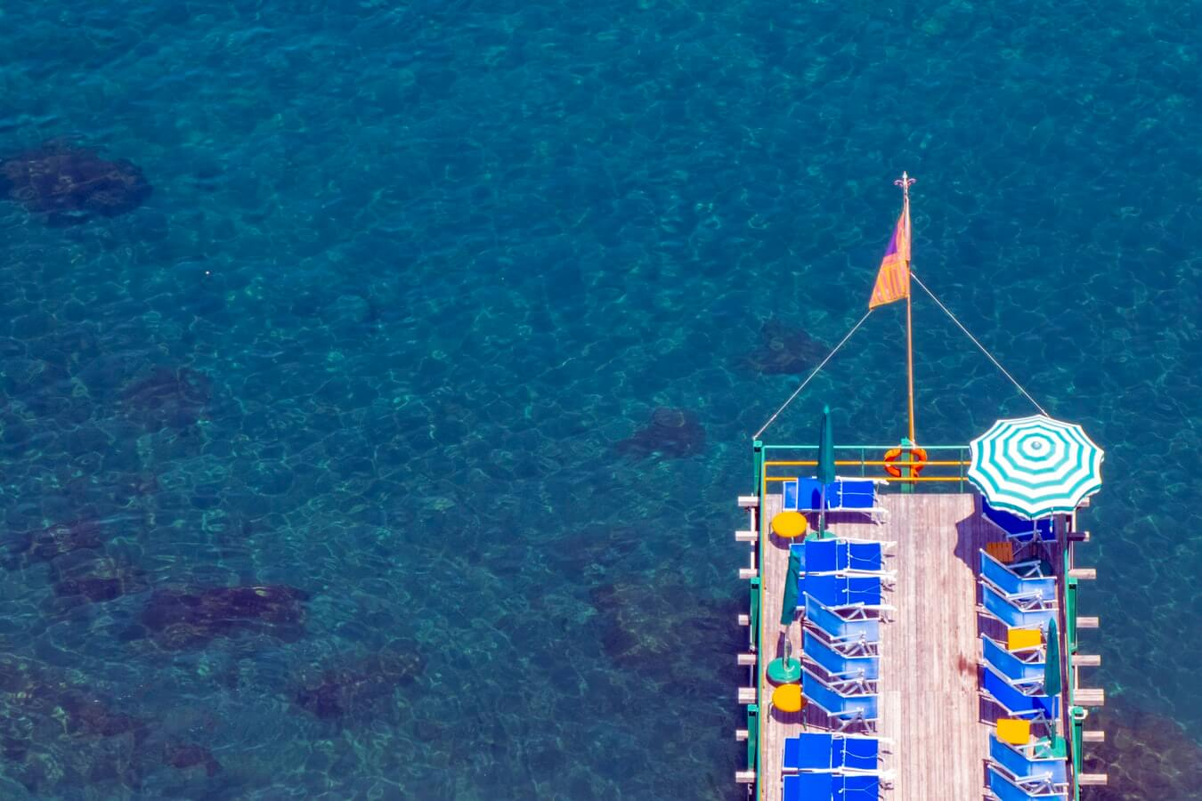 Should you take a pontoon tour on the Great Barrier Reef?